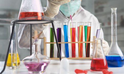 Líderes de negócios devem pensar como cientistas