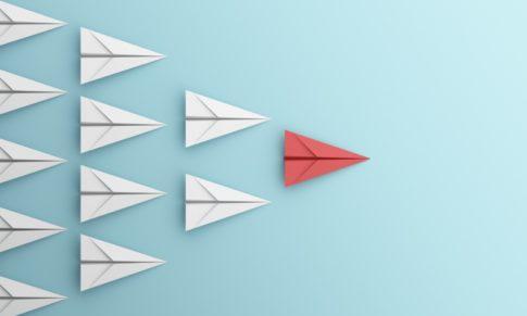 Que atitudes devem as lideranças cultivar durante a gestão de uma crise?
